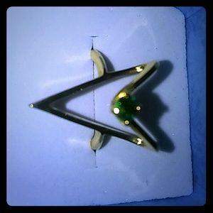 Jewelry - 18K gold HGE green emerald CZ size 4.5
